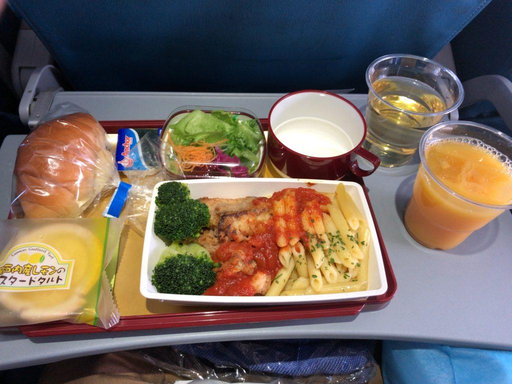 機内食 フィリピン航空