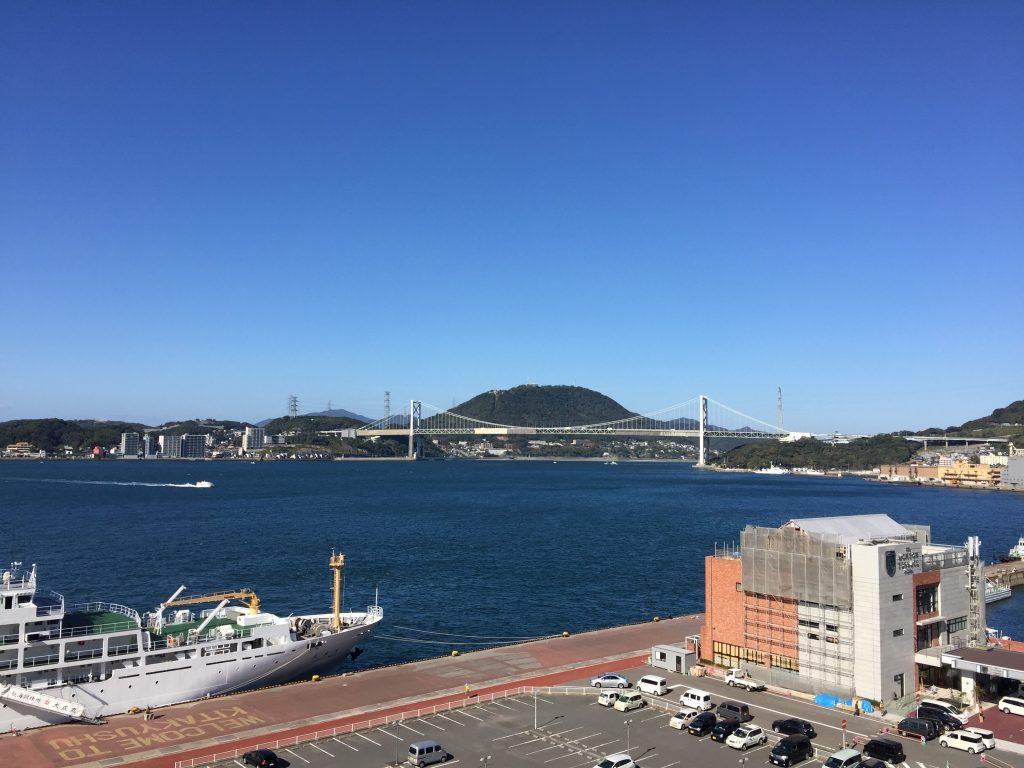 関門橋 関門海峡ミュージアムの2Fから撮影 福岡県北九州市